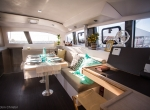outremer_catamaran_45_interieur_carre (2)